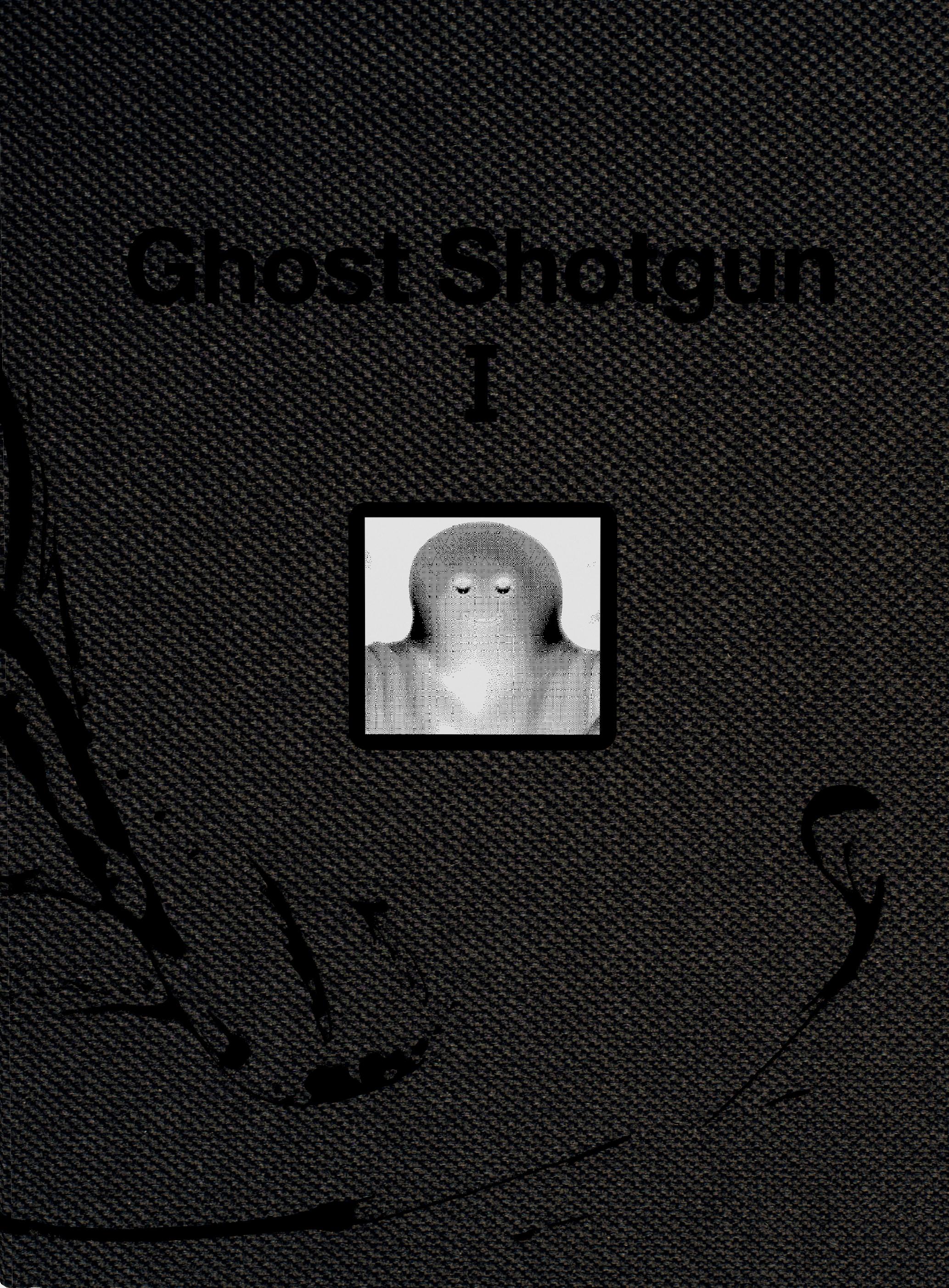 전시 <Ghost Shotgun>을 기록하는 도록