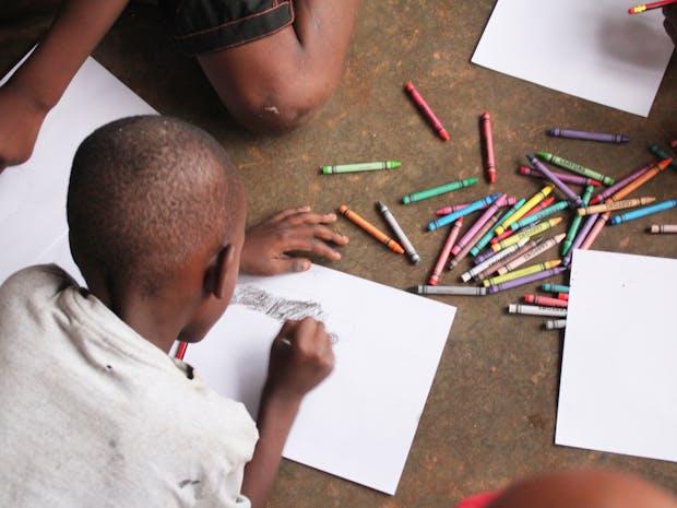 우간다 아이들의 그림, 닭이 되다 <꼬꼬 DOODLE> 이미지